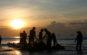 Kéo lưới sớm tại Biển Hải Hòa